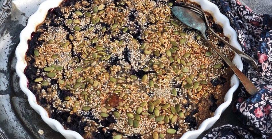 Bakad havre med blåbär och kardemumma